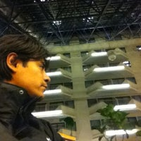Photo taken at Sheraton Newark Airport Hotel by Vicente S. on 3/11/2012