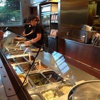 Das Foto wurde bei Chipotle Mexican Grill von Dat L. am 5/12/2012 aufgenommen