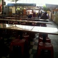 Photo taken at Pondok Bambu Food Court by Gana Persada A. on 5/26/2012