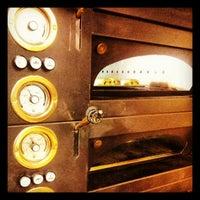 Das Foto wurde bei épi boulangerie patisserie von Riccardo G. am 8/26/2012 aufgenommen