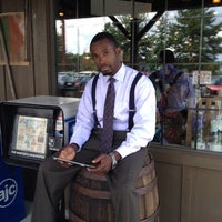 Photo taken at Cracker Barrel Old Country Store by Jervier B. on 7/15/2012