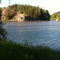 Снимок сделан в Pikkukosken uimaranta пользователем Esko Juhani H. 6/18/2012