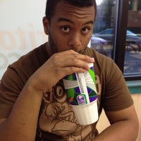 Photo taken at Taco Bell by Nelson R. on 5/19/2012