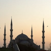 Photo taken at Four Seasons Hotel Istanbul at Sultanahmet by Alberto_Blanco on 3/22/2012