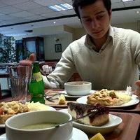 Photo taken at Greenwich Restaurant Gayrettepe by Tuğba G. on 2/22/2012