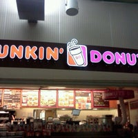 Photo taken at Dunkin' Donuts by Laferriest A. on 6/2/2012