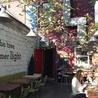Foto tirada no(a) Union Restaurant por Matt S. em 5/14/2012