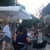 Photo taken at Café Del Plata by 🃏 JᎾᏒᎶЄᎠIHЄ on 7/25/2012