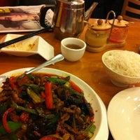 Снимок сделан в Lao Hunan пользователем Tom S. 2/19/2012