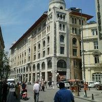 Foto tomada en Legacy Ottoman Hotel por Yakup A. el 5/7/2012