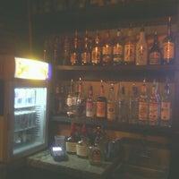 Photo taken at Innisfree Irish Pub by Alcon J. on 8/17/2012