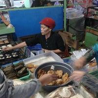 Photo taken at Pasar Manis. Purwokerto by Akbar R. on 8/20/2012
