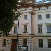 Foto scattata a Museum Berggruen da Andreas H. il 7/23/2012