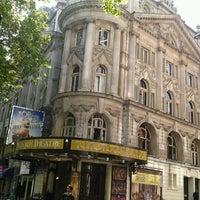 Das Foto wurde bei Aldwych Theatre von Claire B. am 5/24/2012 aufgenommen