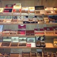 Photo taken at La Casa De La Habana Cigar Bar by Redic G. on 5/13/2012