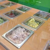 Photo taken at Inn Salad by Luis O. on 8/7/2012