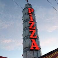 Foto diambil di Prince Pizzeria oleh Sue N. pada 4/3/2012
