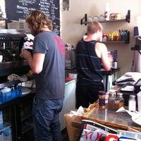 7/19/2012 tarihinde Hyewon E.ziyaretçi tarafından Brooklyn Cafe'de çekilen fotoğraf