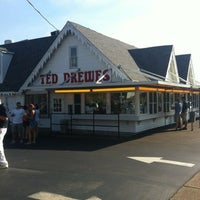 Photo taken at Ted Drewes Frozen Custard by Stephen F. on 8/6/2012
