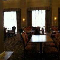 Photo taken at Hampton Inn & Suites Largo by Sherwin M. on 3/25/2012