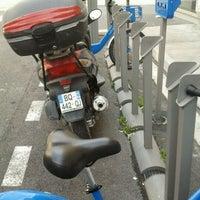 Photo taken at Vélo Bleu (Station No. 31) by Iarla B. on 4/2/2012