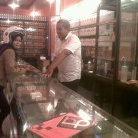 Photo taken at Hugo perfume by fajar a. on 9/12/2012