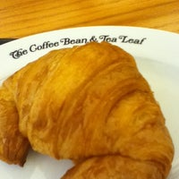 Photo taken at The Coffee Bean & Tea Leaf by Michael V. on 5/19/2012