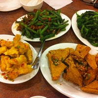 Photo taken at Congee Noodle House 粥麵館 by Brian L. on 8/16/2012