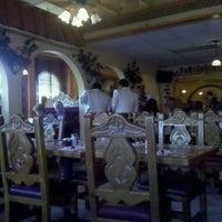 รูปภาพถ่ายที่ Azteca Mexican Restaurant โดย Ken เมื่อ 4/13/2012