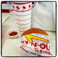 Photo taken at In-N-Out Burger by Evelyn P. on 7/6/2012