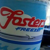 Foto diambil di Fosters Freeze oleh Harry C. pada 6/17/2012