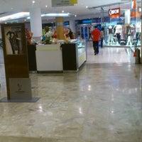 Foto tirada no(a) Madureira Shopping por Eduardo C. em 6/19/2012