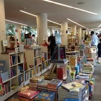 9/1/2012 tarihinde Nats C.ziyaretçi tarafından Fondo de Cultura Económica Rosario Castellanos'de çekilen fotoğraf