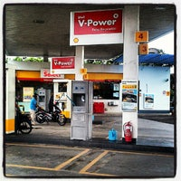 Photo taken at Shell Jalan Mersing by Mkn A. on 5/17/2012