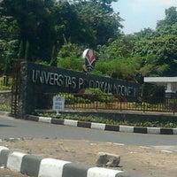 Photo taken at Universitas Pendidikan Indonesia (UPI) by Gibran T. on 9/2/2012