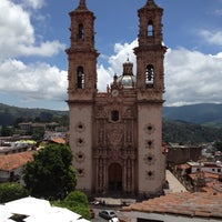 Photo taken at H. Ayuntamiento Taxco by Danilo Z. on 7/27/2012