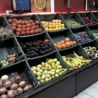 Photo taken at La Boutique de la fruta by Nicolás Y. on 5/13/2012