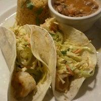 Foto tomada en La Parrilla Mexican Restaurant por Nick F. el 2/14/2012