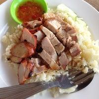 Photo taken at Restoran Yong Len by Hokage .. on 6/24/2012