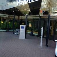 Photo taken at Novotel Amsterdam City by Бадонна💱 on 4/22/2012