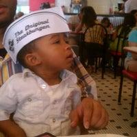 5/27/2012에 Tenisha K. W.님이 Steak 'n Shake에서 찍은 사진