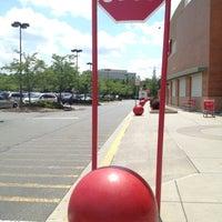 Foto tirada no(a) Target por Angel N. em 5/24/2012