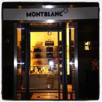 รูปภาพถ่ายที่ Montblanc Boutique โดย Zé Renato C. เมื่อ 9/13/2012