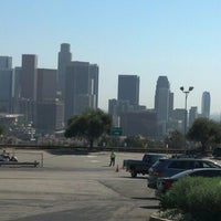 Das Foto wurde bei Dodger Stadium Parking von Nathaniel M. am 8/7/2012 aufgenommen