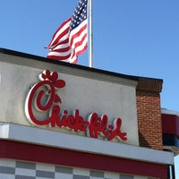Photo taken at Chick-fil-A by Chuck N. on 4/6/2012