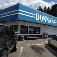 Das Foto wurde bei Donnas Truckstop von Liam B. am 7/29/2012 aufgenommen