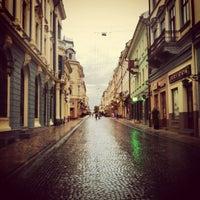 Снимок сделан в Улица Ольги Кобылянской пользователем Victoria I. 8/14/2012