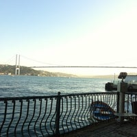 Photo prise au Çınaraltı Cafe par İOS le8/29/2012