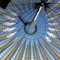 Das Foto wurde bei Sony Center von Jurgen M. am 7/25/2012 aufgenommen