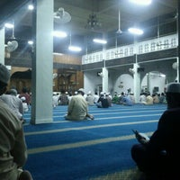 Photo taken at Masjid Al Ma'muriah by Muhammad N. on 6/6/2012